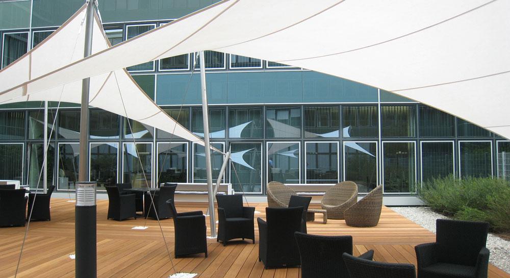 aerosun® 365 freistehende 4-Punkt Sonnensegel als Lounge