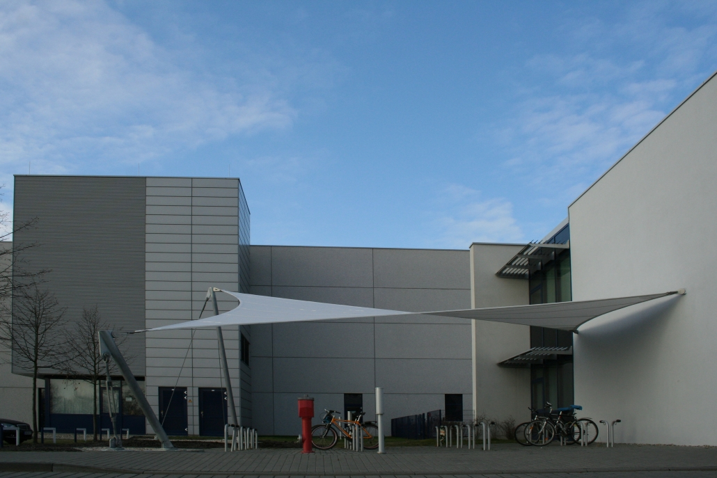 aerosun® 365 4-Punkt-Sonnensegel, Eingangsbereich Firma
