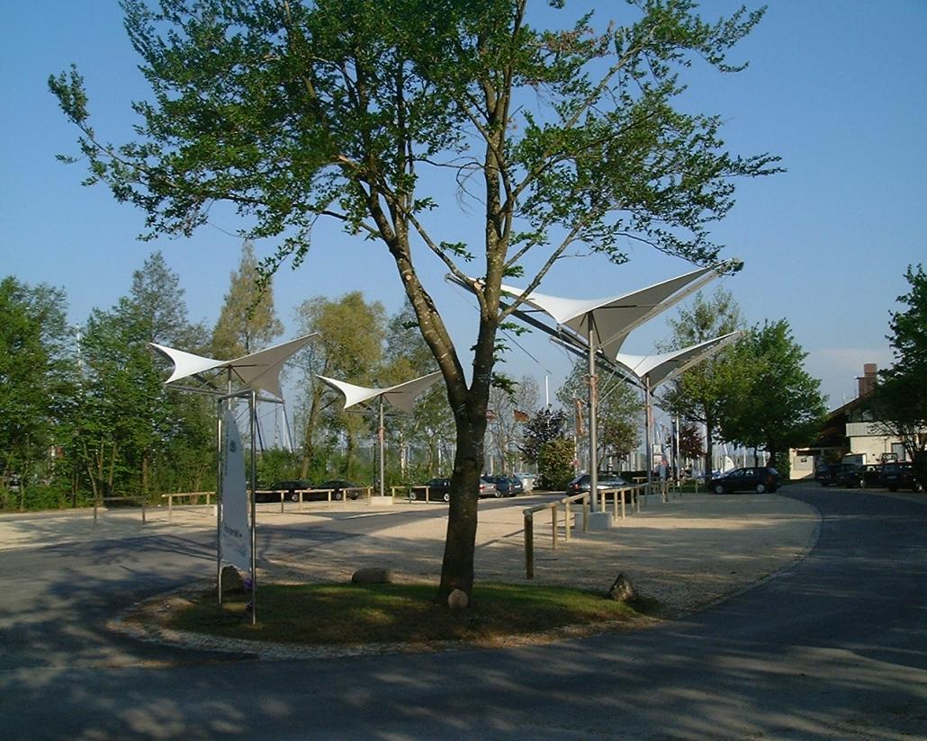 aeronautec Lichtsegelschirm Parkplatzüberdachung Yachthafen Seebruck, sturmsicher, barrierefrei