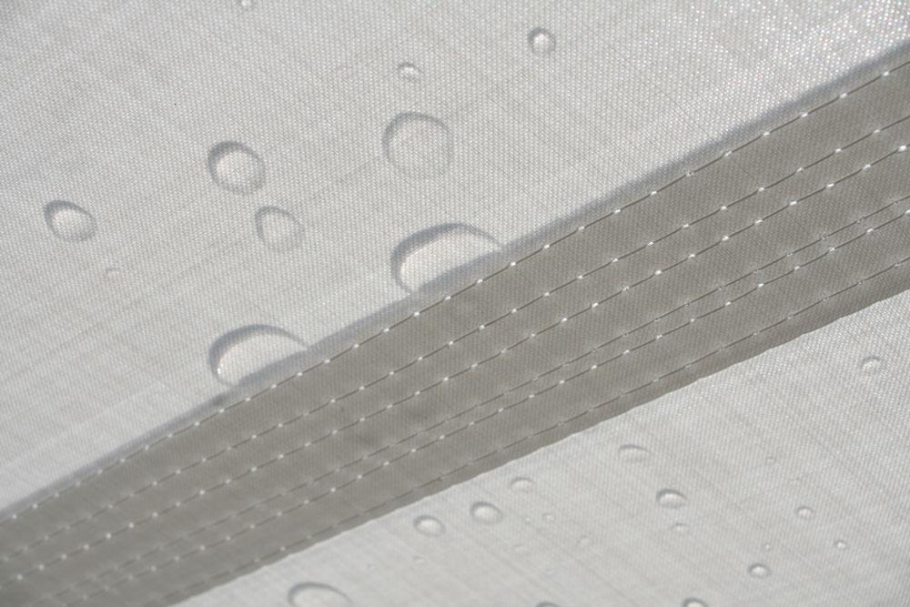 aeronautec aeroflon Architekturgewebe für Sonnensegel und Überdachungen auf höchstem Niveau. Hohe Wassersäule.