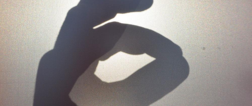 Genuss pur. Mittags perfekter Sonnenschutz und Abends voller Genuss der Abendsonne. Sonnensegel . Youtube – Video | Dronenflug in der Abenddämmerung,