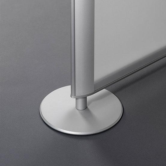 Innenarchitektur, Büro, aerosystem®Raumteiler mit licht- und akustisch wirksamen Gewebe