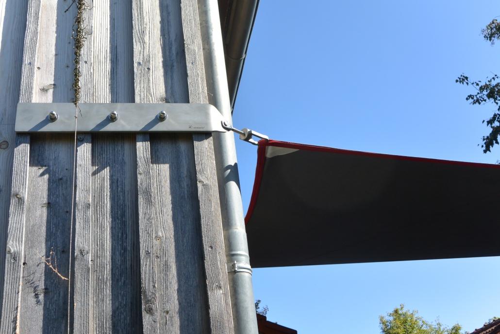 Design Moment- Segelaufnahme als seitliches Schwert (Edelstahl)- hochwertige Materialien und stilvolles Design von aeronautec