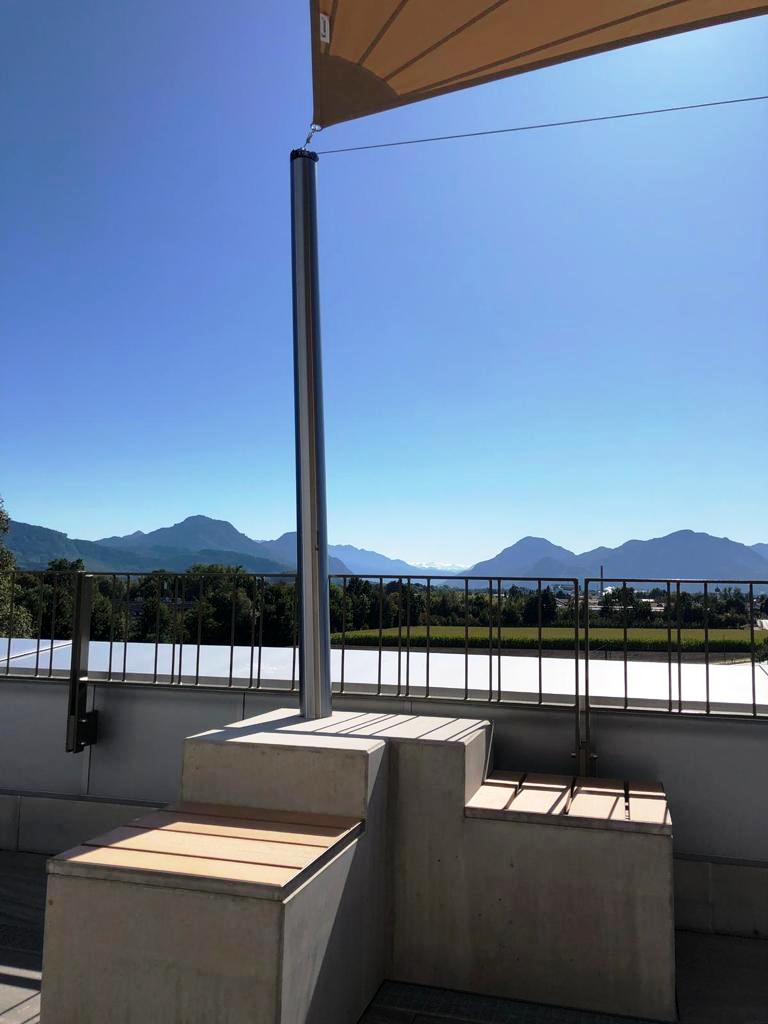 aerosun® Rollsegel (Sun Furl System) Firmenlounge, elektrisch, Sonnenschutz, Sonnensegel rollbares Sonnensegel, Regensensor