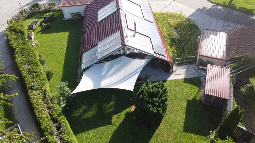 aerosun®180 Mehrpunkt Sonnensegel - wasserdicht & sturmsicher, Drohnenfoto, exklusiv, Membrandach, Hausbau