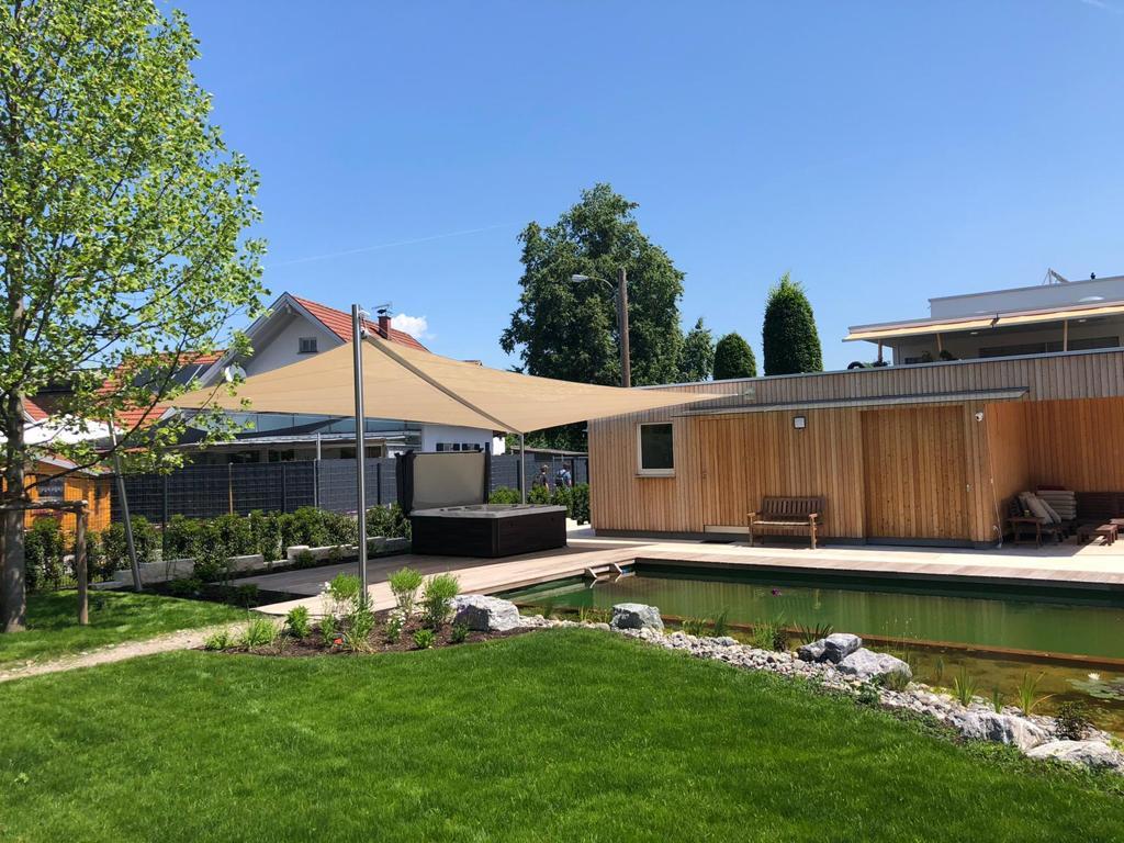 aerosun® Rollsegel (Sun Furl System), 24 m², Überdachung Wellnessbereich